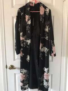 Floral kimono *brand new*