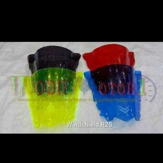 R25 R3 winshield visor