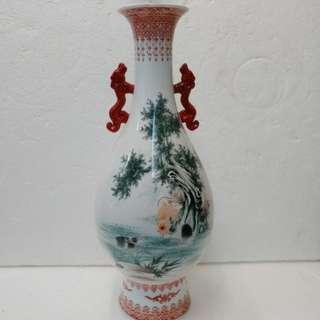 玉兔園瓷花瓶