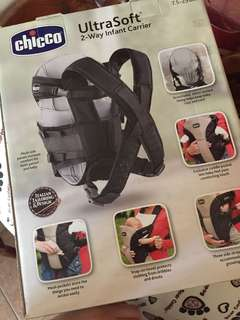 Chicco 2 - way Carrier