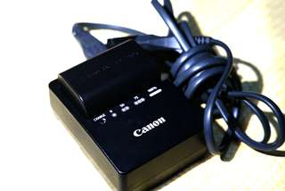 Canon 60d,50mm f1.8 and charger