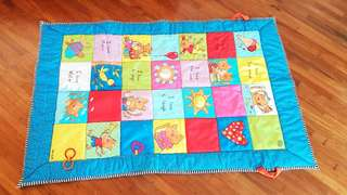Padded baby playmat