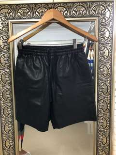 Topshop BNWT black GENUINE leather shorts size 8