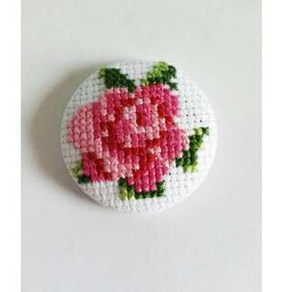 Handmade cross stitch rose brooch/scarf pin/handbag pin/hat pin