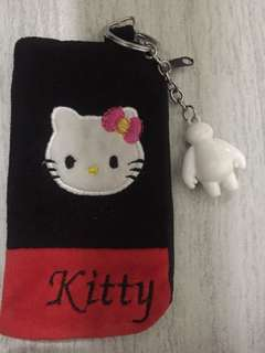 hello kitty wallet w/ baymax keychain