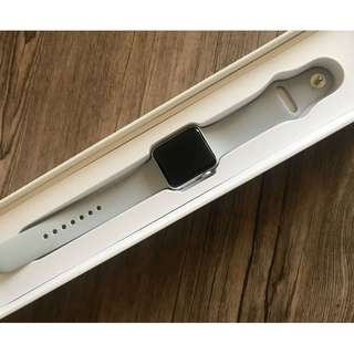 Apple Watch Series 3 (38mm Case) Silver Aluminium