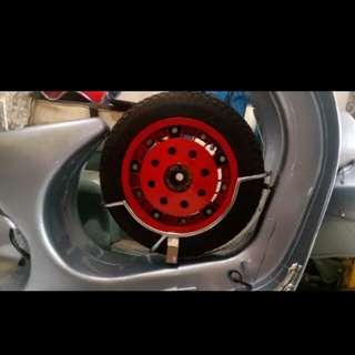 Vespa px sprint center tyre rack
