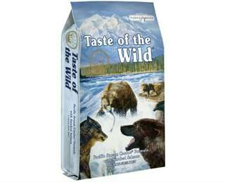 Taste Of The Wild Pacific Stream with Smoked Salmon 13kg