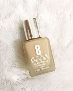 Clinique superbalanced foundation