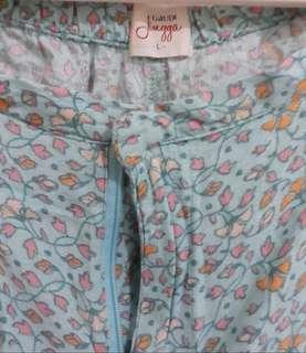 Gaudy Long pants, bahan lembut, detail motif cantik, size L. Model layer bagian pinggul