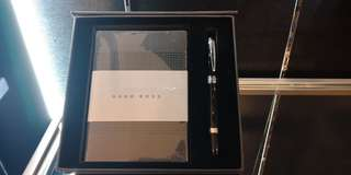 Hugo Boss Set#Pen and Note Book#Normal Rm720..Selling Cheap and best buy# 100% Original.. Waranty 2 years at Hugo boss..