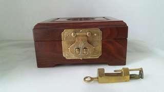 花梨木製飾物盒
