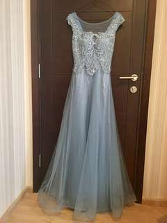 Dress / Gaun Cantik Never Used