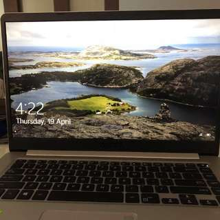 Asus vivobook s ( 1tb, i7 ) with laptop bag, sleeve and waranty!!!