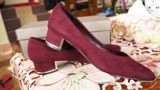Authentic Charles and Keith Heels #Letgo50