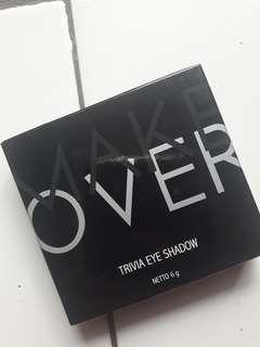 Make over trivia eye shadow ( black goddiva)