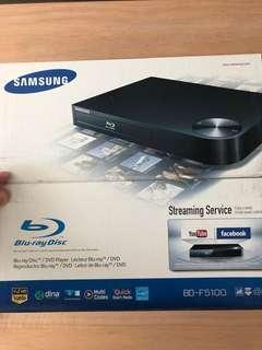 Samsung Blu-ray Player/ DVD player BD-F5100