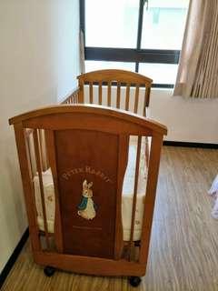 超級新的彼得兔嬰兒床