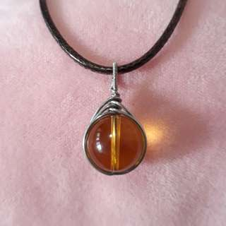 🌻Citrine pendant(黄水晶吊坠) set in Silver plated copper wire wrap. Bead size 14mm. Include rope chain.