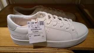 Sepatu PnB
