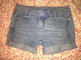 """Levi's """"Lady Style"""" Shorts"""