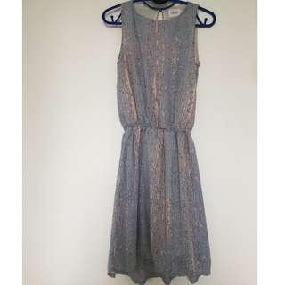 Simple Dress (Gaudi)