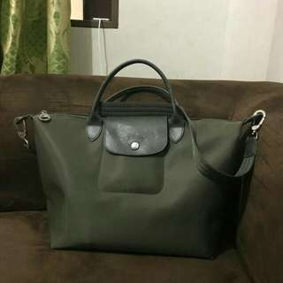 Repriced authentic longchamp pre&loved