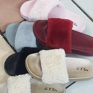 sandal bulu lembut ready stock