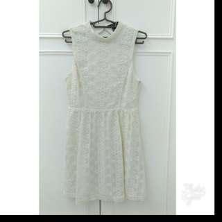 專櫃 Forever 21日系氣質米色雕花滿載露背修身洋裝