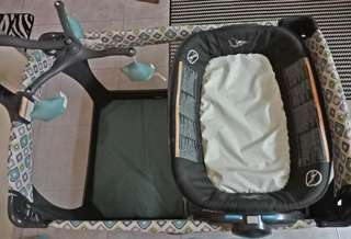 Graco Pack 'n Play® Portable Napper & Changer™ Playard