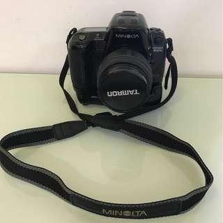 1997年 MINOLTA DYNAX 800si 菲林相機配手柄及TAMRON鏡頭 (只限馬鞍山站面交) 代家人貼文