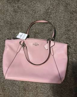 Coach Small Kelsey in Blush
