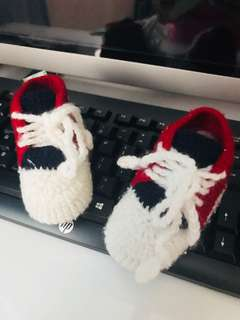 Knitted shoes