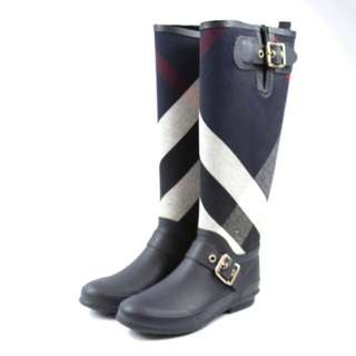 Size 35 Burberry boots