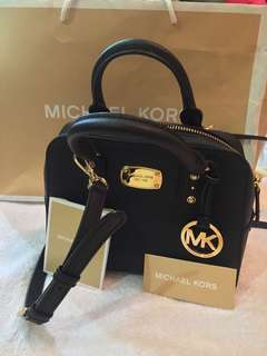 Sale! 🎉 Pre-loved authentic Michael kors saffiano bag (small)