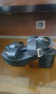 NEW Black Heels Size 40