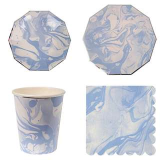 * Marble Blue Party Serveware Package ( 8 X 7″ Small Plates, 8 X 9″ Large Plates, 8 X Cups, 20 X Napkins)