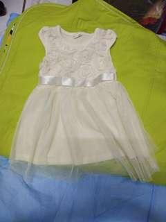 幼兒女寶洋裝,夏天,二手,淡黃色