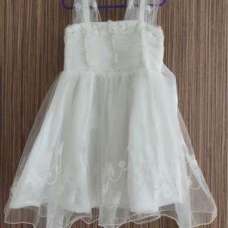 Flower girl white lacy dress