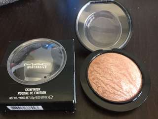 MAC Mineralize Skinfinish (Soft & Gentle)