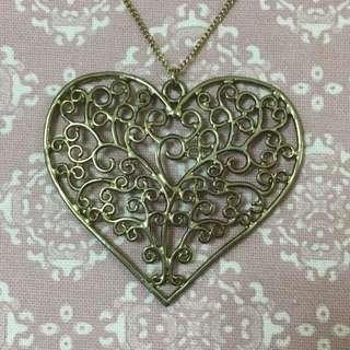 心形頸鏈 heart-shaped necklace