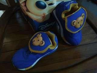 Sepatu balita disney