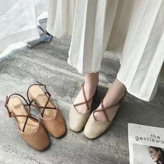 氣質絕美💕💕質感配色復古交叉繫帶包頭瑪莉珍木紋粗跟鞋 中跟鞋 包頭鞋