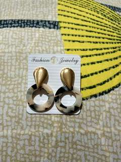 Anting Pesta Juntai