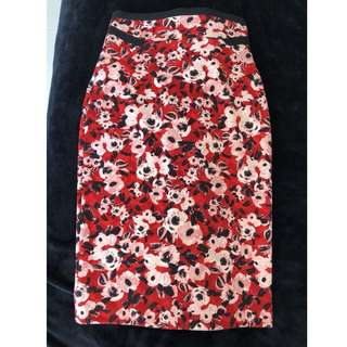 CUE Red Black Floral Stretch Skirt
