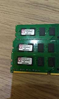 Kingston DDR3 1333 2G,三支800唷
