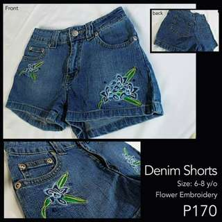 Denim Shorts with cute flower embroidery