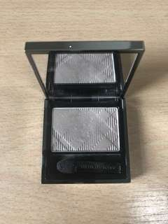 Burberry Silk Wet and Dry Eyeshadow (Pale Barley)