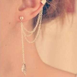 Korean style/Ulzzang ear chain  earrring