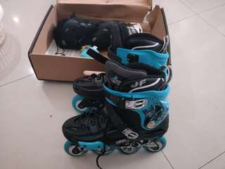Skating shoes size 42~43